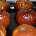 Tort cu mere caramelizate