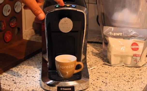 Tchibo Cafissimo Tuttocaffe Saeco preparare cafea