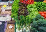 alimente-care-nu-ingrasa-salata-legume