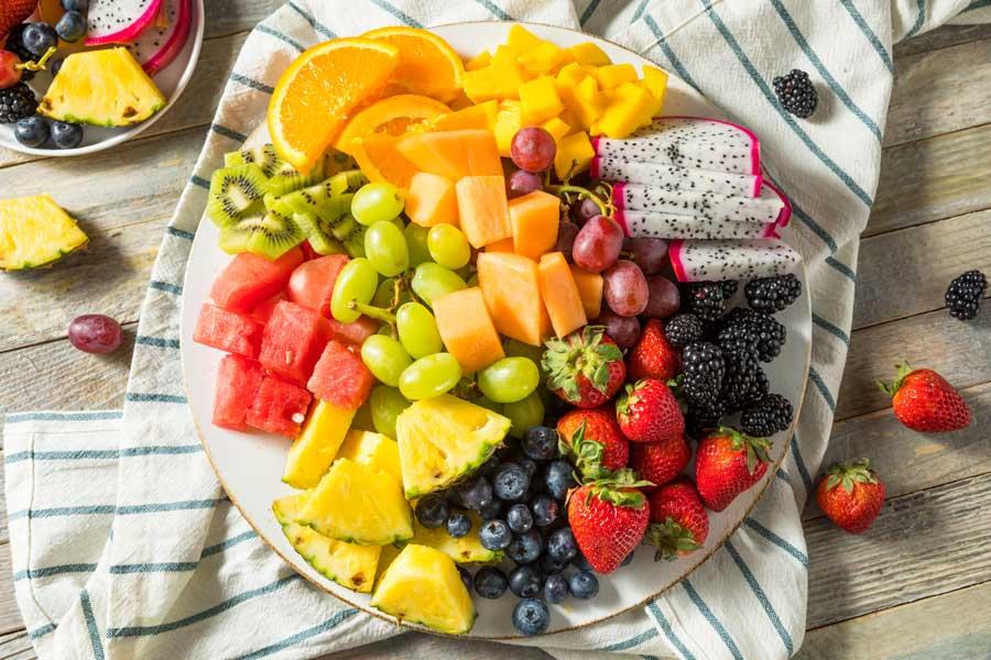 salata-fructe-pepene-galben-dieta