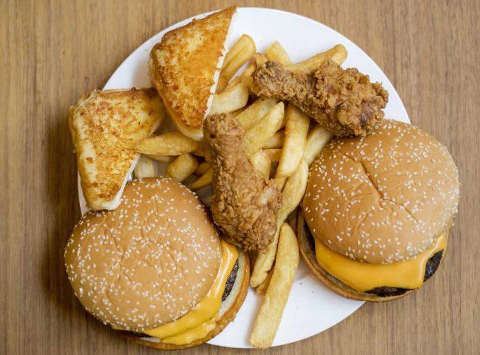 toxiinfectie-alimentara-fast-food