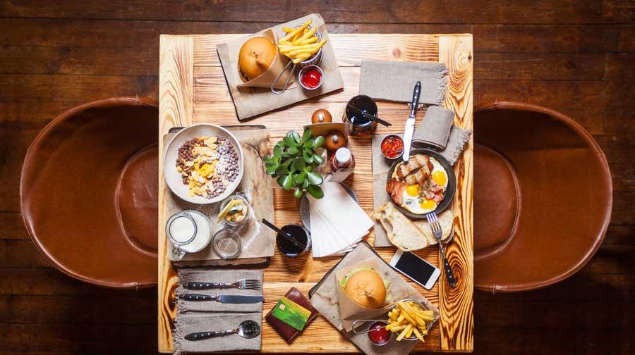 mancare-la-restaurant-cartofi