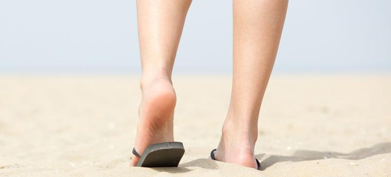 picioare-in-nisip